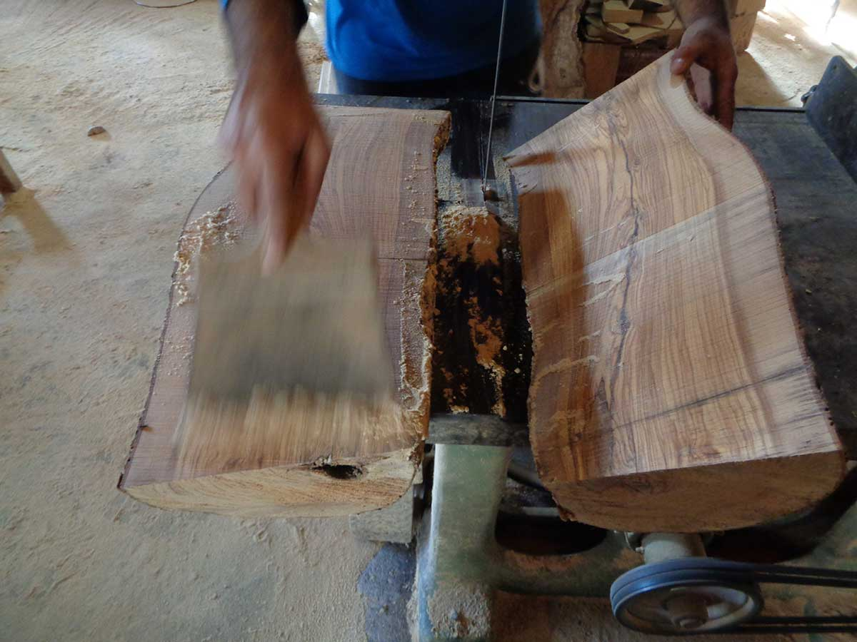 Spirit-of-olive-wood--our-workshop-3